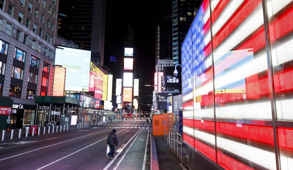 Supera Estados Unidos las mil muertes por COVID-19