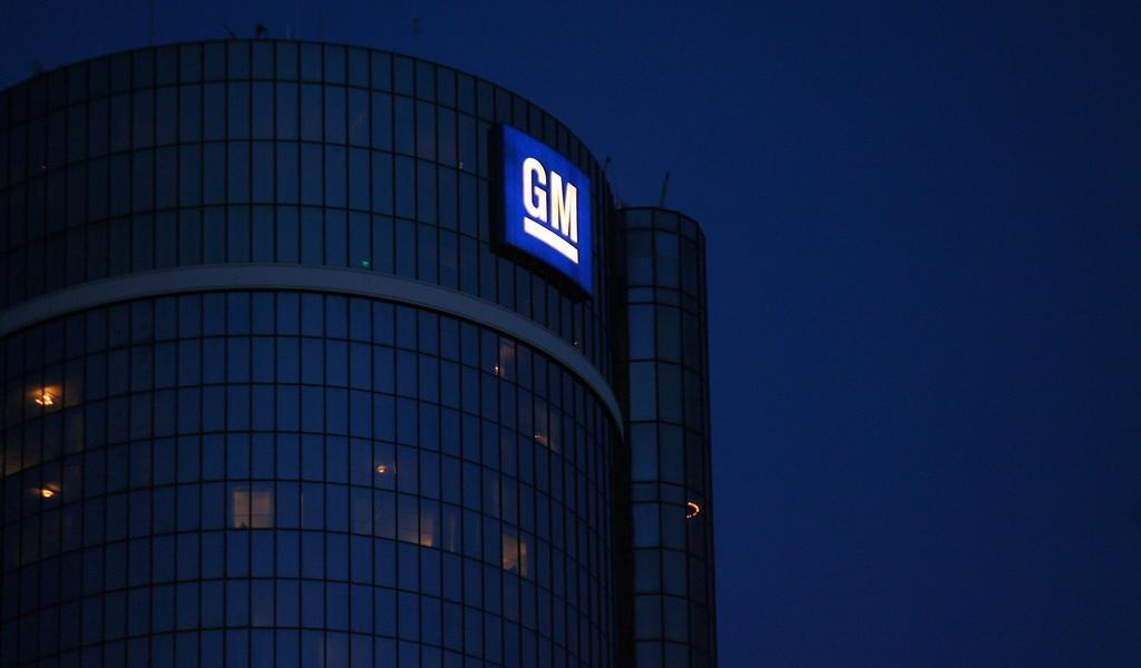 Trump busca forzar a General Motors a producir respiradores artificiales