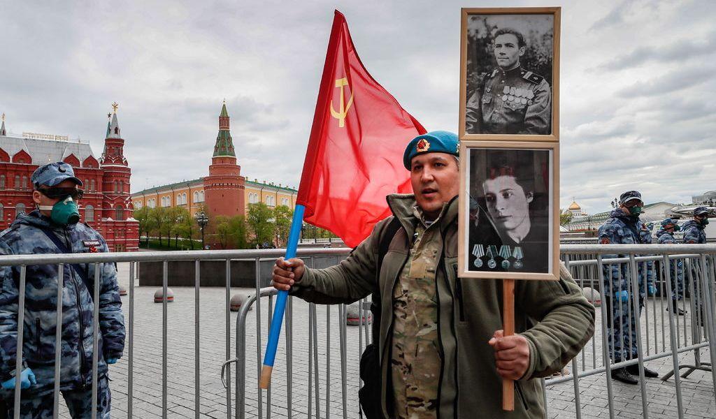 Rusia celebra la victoria sin veteranos ni tanques