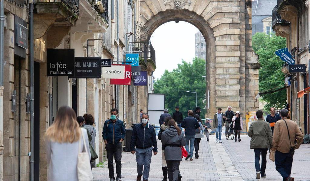 Ante baja de contagios, Europa da los primeros pasos a la reapertura