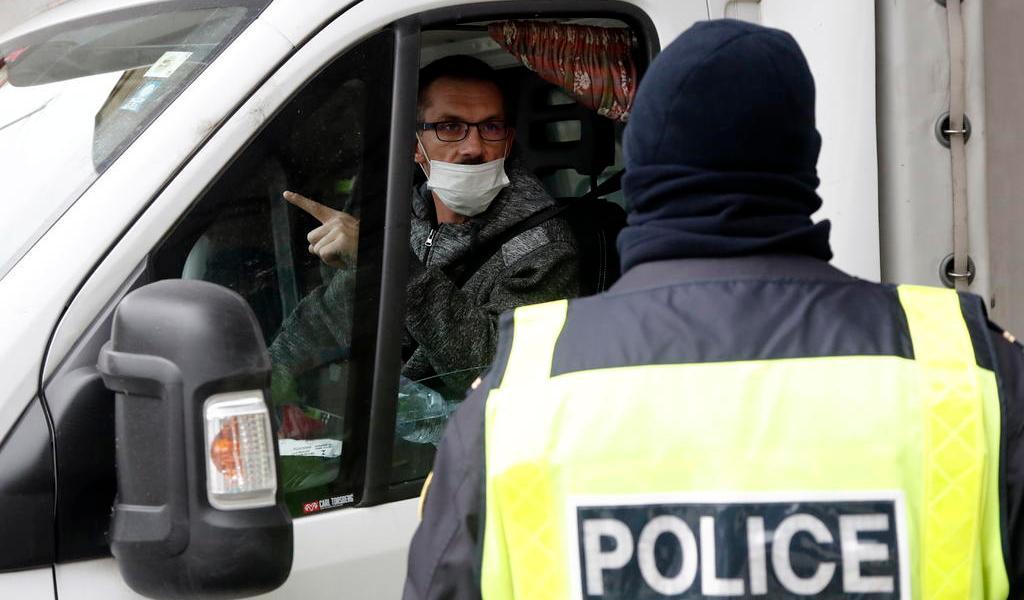 Pondrá Francia en cuarentena a viajeros que vengan de España
