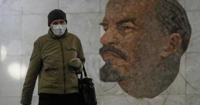 Mujer contrae COVID-19 por segunda vez en Rusia