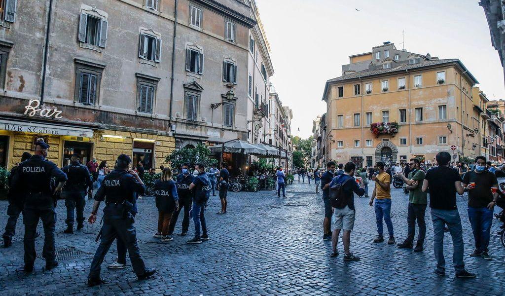 Suma Italia 119 nuevas muertes; baja cifra de enfermos