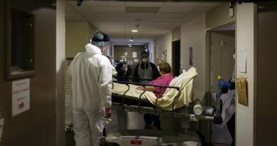 Francia hila ocho días con menos de 100 muertes diarias por COVID-19
