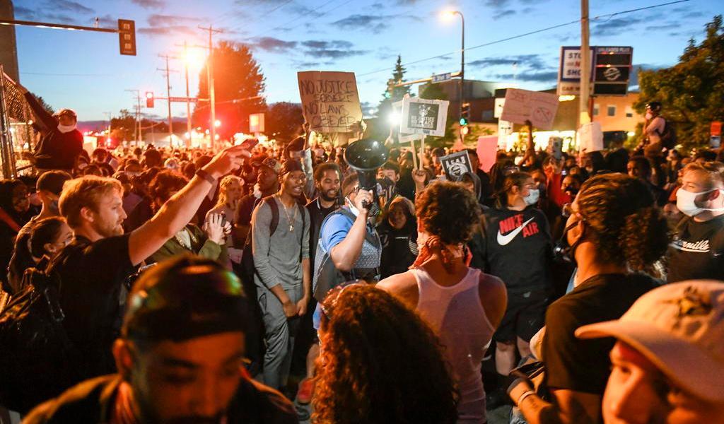Muere policía en California en medio de protestas por George Floyd