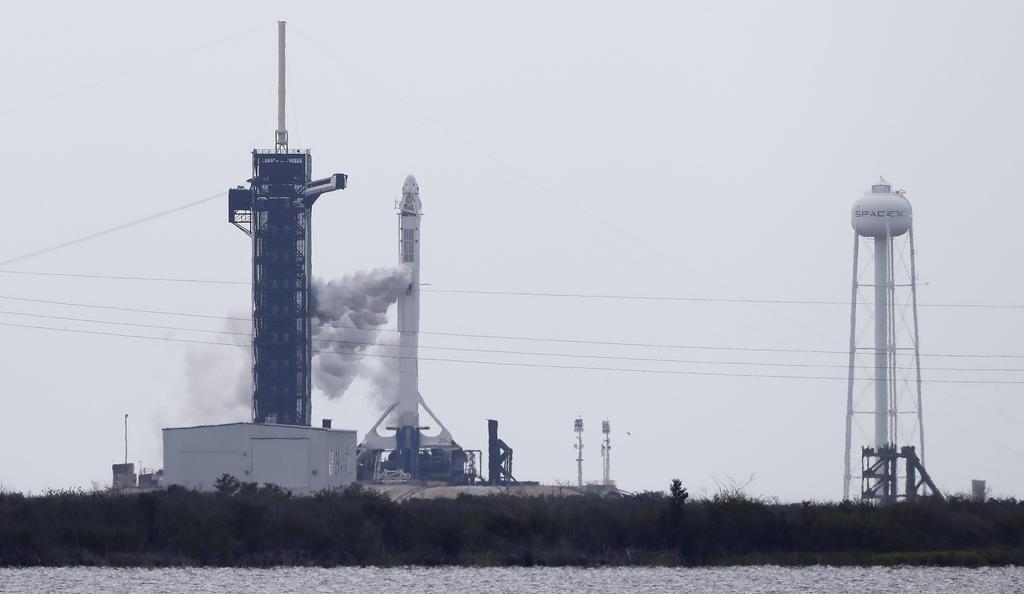 En vivo: Pese a pronostico de tormentas, SpaceX procede con lanzamiento espacial