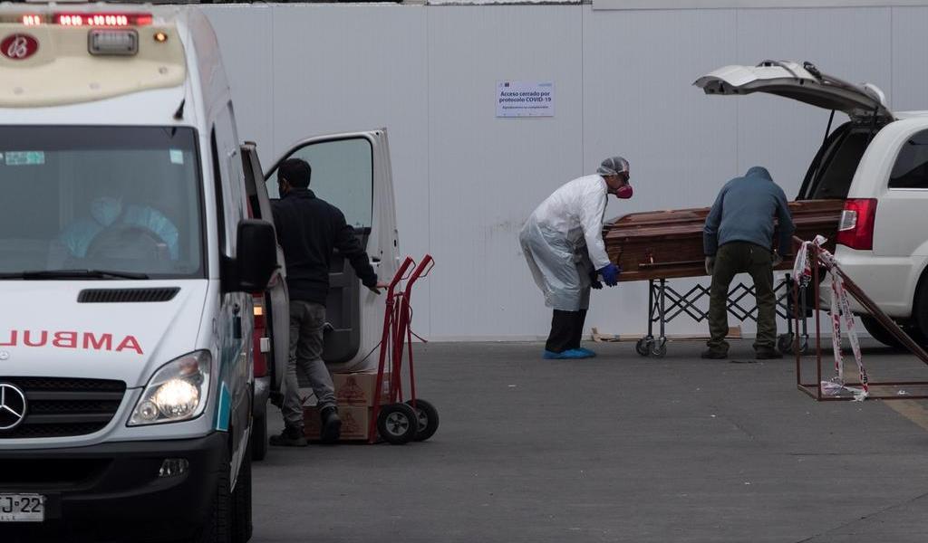Supera Chile los 1,000 muertos por COVID-19