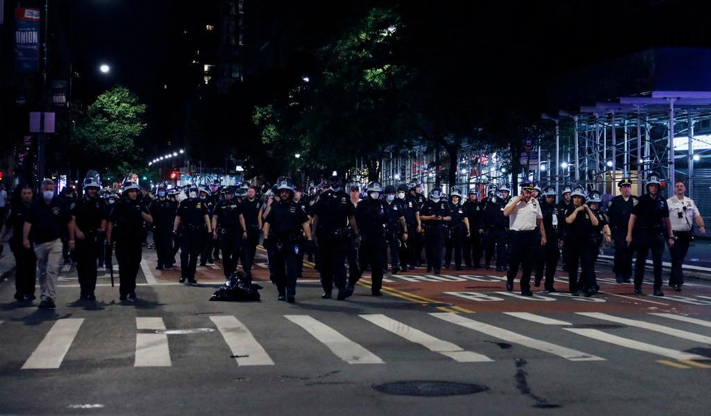 Brutalidad policiaca escala en ciudades de EUA con protestas