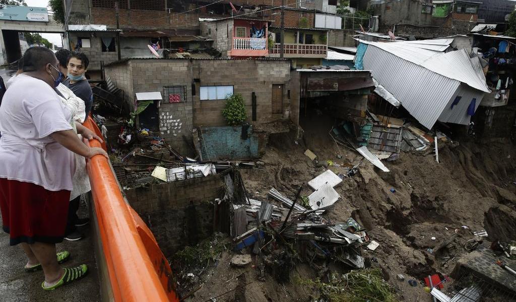 Tormenta Amanda deja al menos 11 muertos en El Salvador