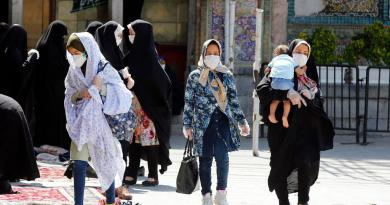 Aumentan contagios de COVID-19 en Irán con riesgo de un nuevo pico