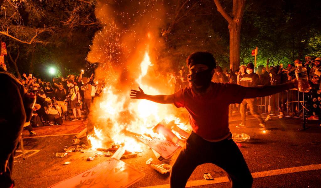 Exige Trump mano dura contra manifestantes para 'poner fin' a las protestas