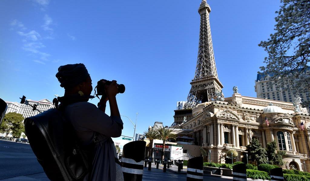 Reabren casinos tras cierre por COVID-19 en Las Vegas