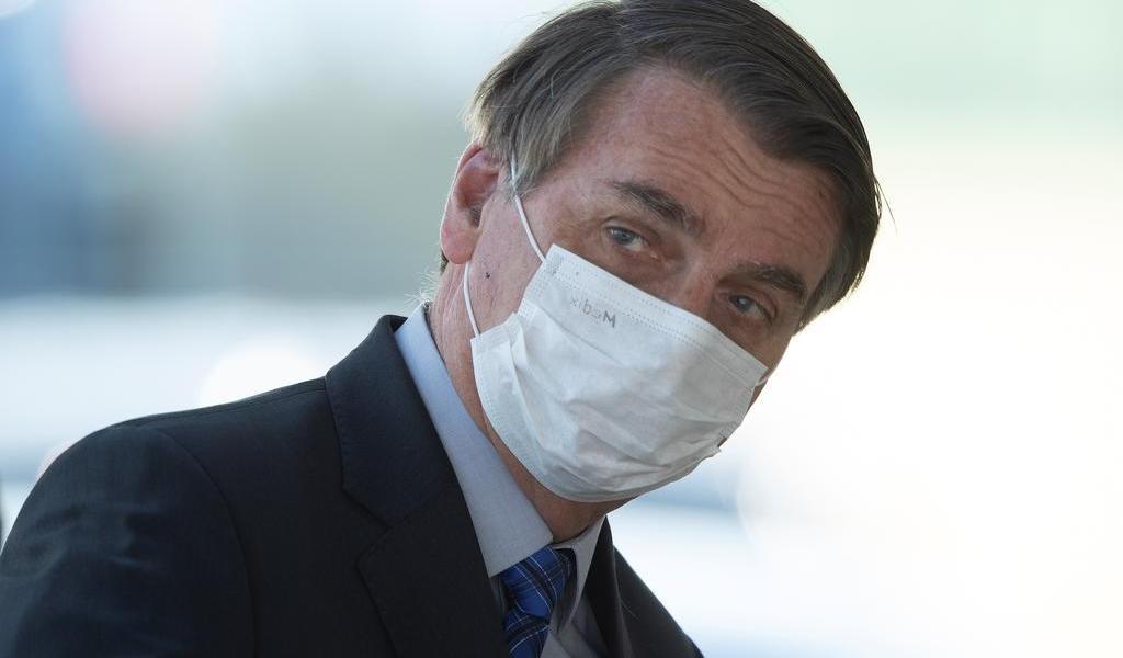 Exalta Bolsonaro transparencia del Gobierno tras omisión de datos de COVID-19