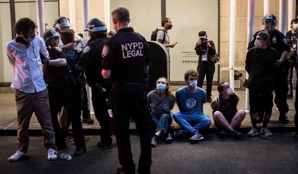 Policía de Nueva York deberá publicar videos de cámaras corporales