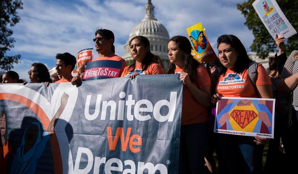 Corte Suprema de EUA impide cancelación del programa DACA