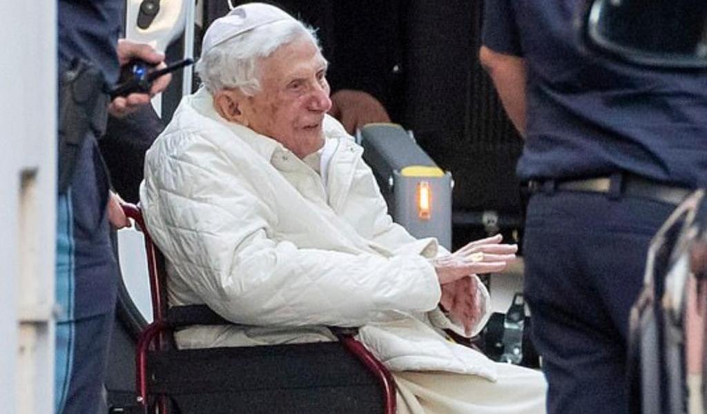 Papa emérito Benedicto XVI visita a su hermano en Alemania
