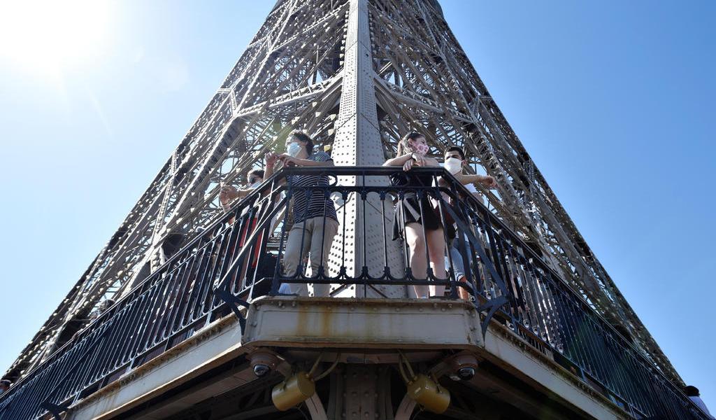 Reabre la Torre Eiffel; cerró 104 días por el coronavirus