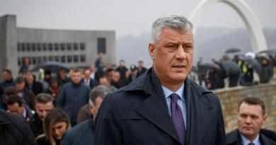Acusan al presidente de Kosovo de crímenes de guerra