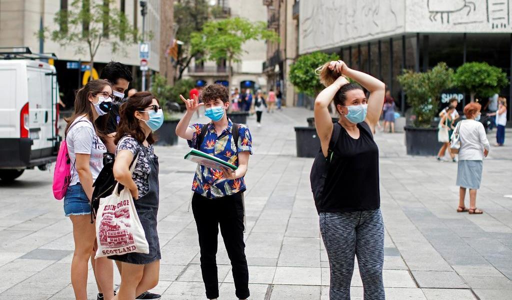Suben contagios de COVID-19 en España por nuevos brotes locales