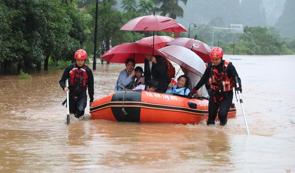 Inundaciones han dejado más de 100 muertos en China