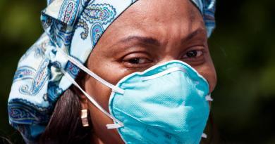 Escasea equipo protector para personal de salud en EUA