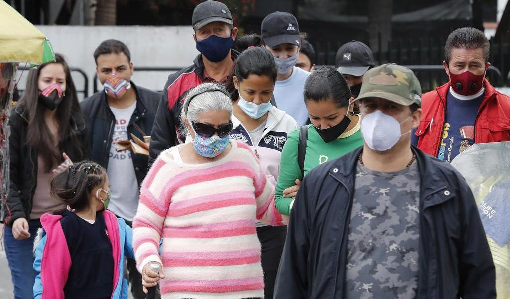 Curva del COVID-19 acelera su ascenso en Colombia