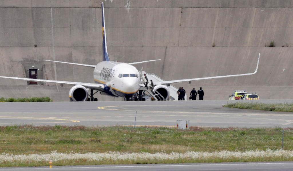 Detienen a británico por amenaza de bomba en un vuelo de Londres a Oslo