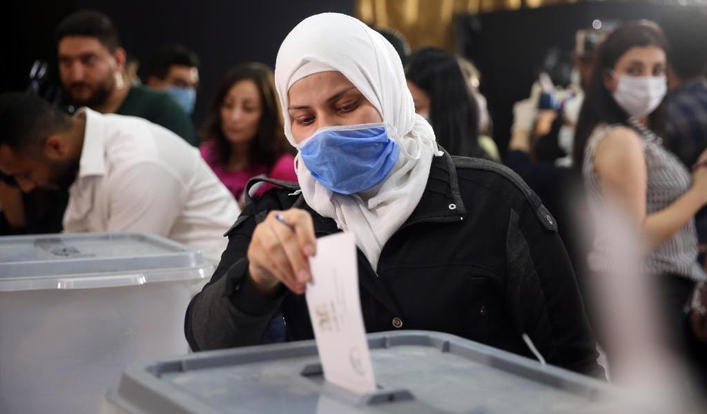 Elige nuevo Parlamento la devastada Siria