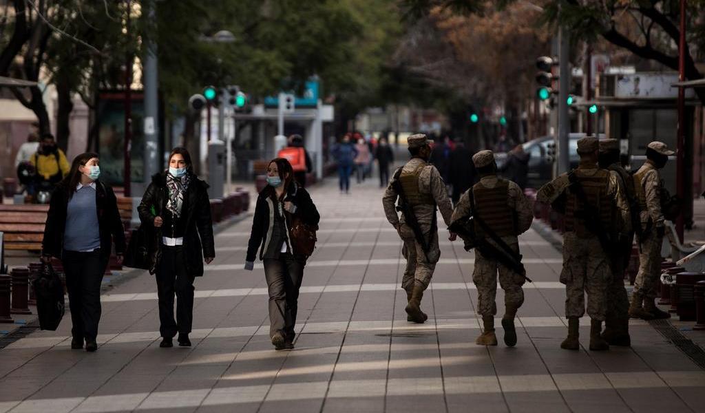 Cede pandemia a nivel nacional en Chile; algunas regiones empeoran