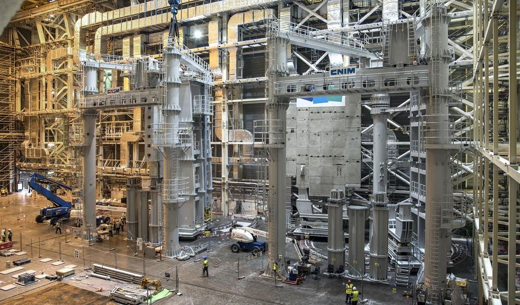 Ensamblaje de dispositivo de fusión nuclear entra en fase crítica en Francia