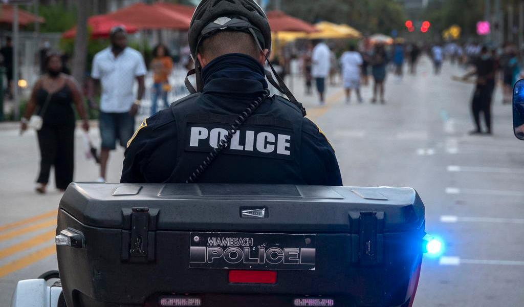 Dispara hombre en un hotel para exigir distancia social en Miami-Beach
