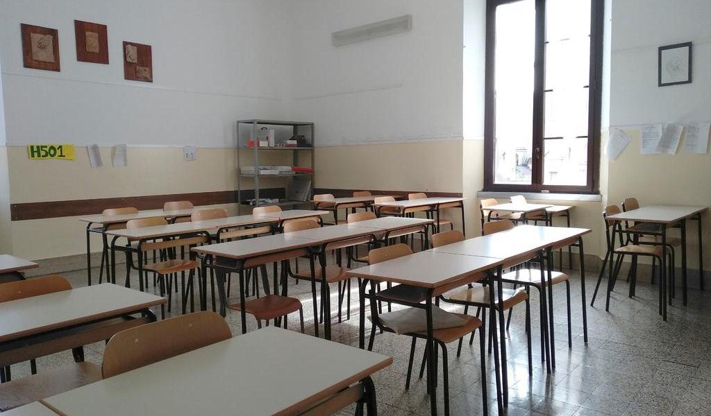 Cierre de escuelas por COVID-19 afecta a 1,000 millones de estudiantes: ONU
