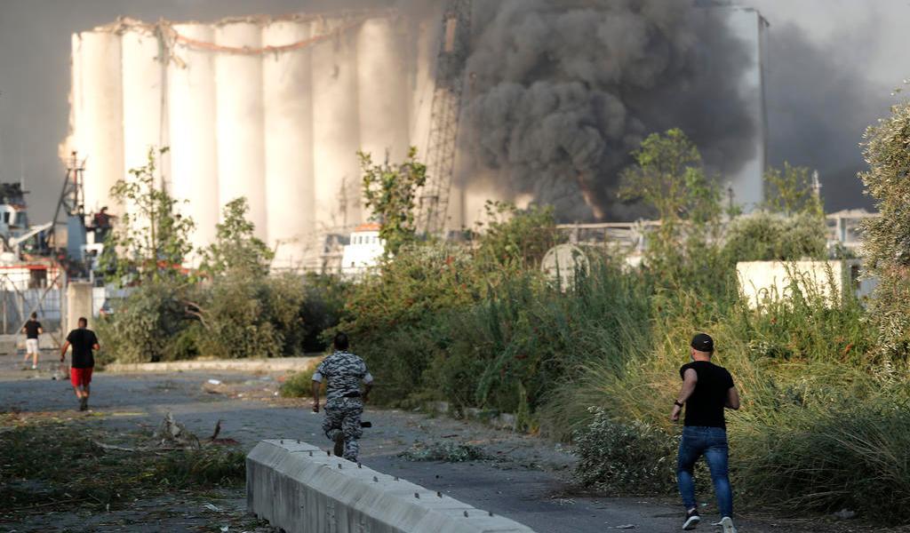 Presidente libanés moviliza al Ejército a zonas afectadas por explosión en Beirut