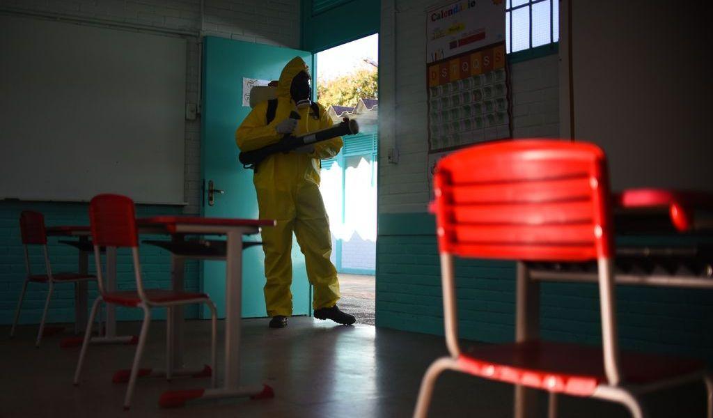 Regreso a las aulas en América; otro dilema ante la pandemia