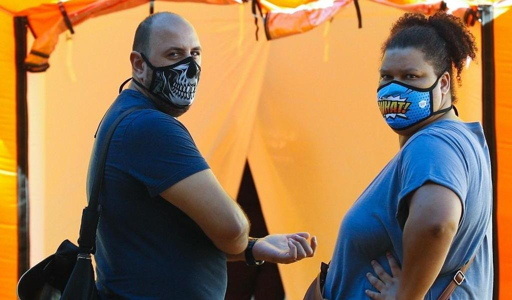 Reporta España nuevo máximo diario de contagios de COVID-19