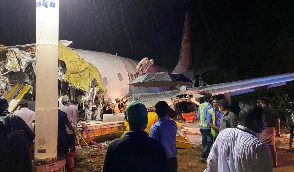 Sube a 17 el número de víctimas mortales de accidente aéreo en la India