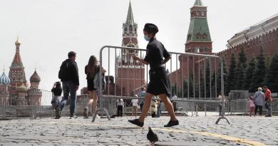 Rusia supera los 900,000 casos acumulados de COVID-19