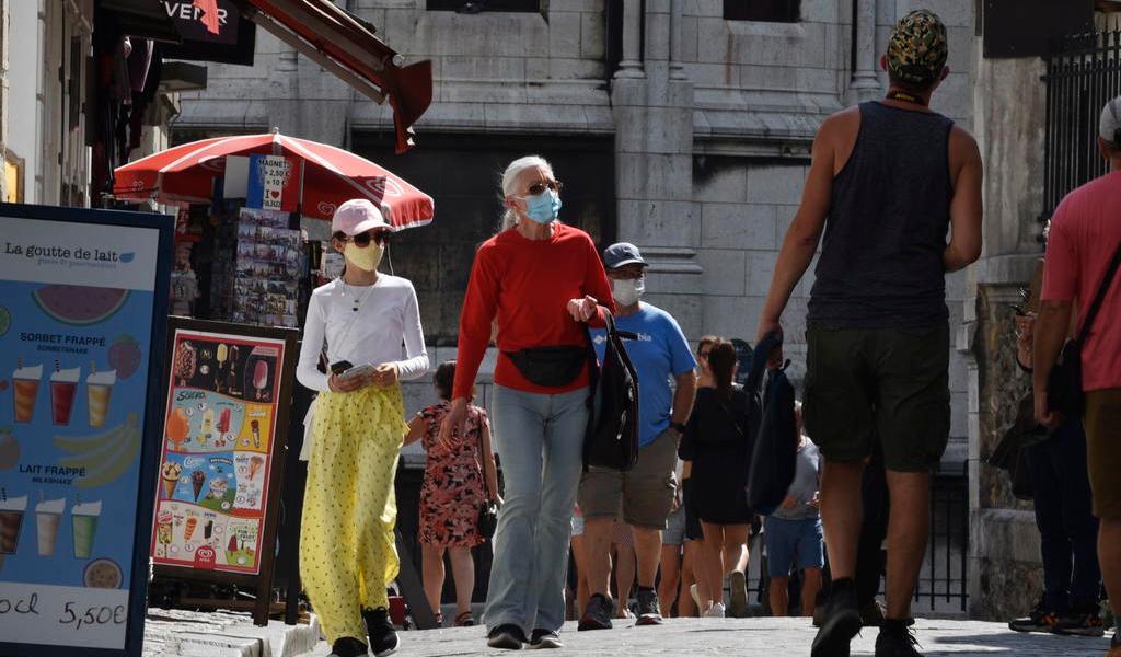 Registra Francia fuerte aumento de contagios de COVID-19
