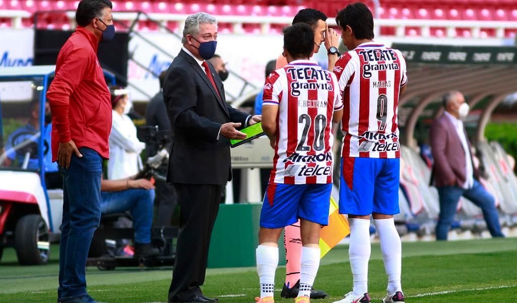 Vucetich debuta como técnico de Chivas con un triunfo