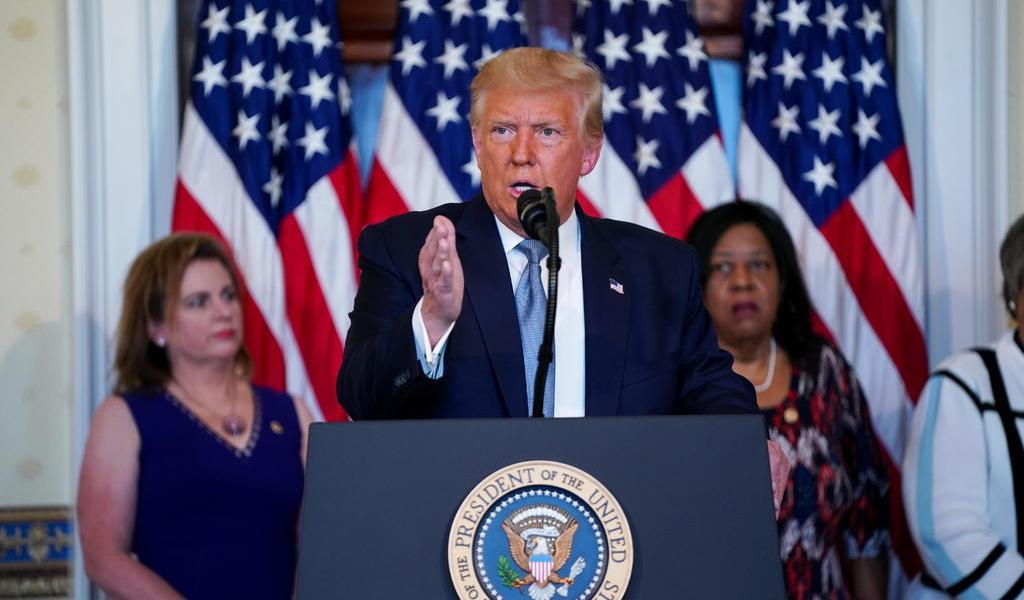 Plantea Trump cobro de peaje a vehículos que crucen a EUA para pagar muro