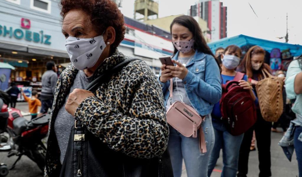 Brasil rebasa las 111 mil muertes por COVID-19