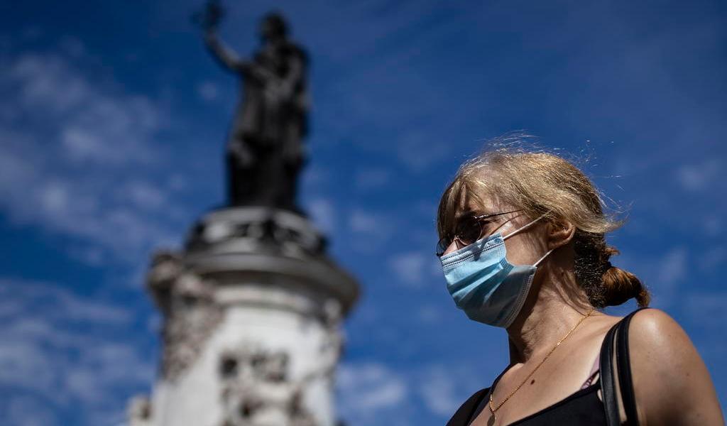 Registra Francia 4,897 casos de COVID-19 en 24 horas