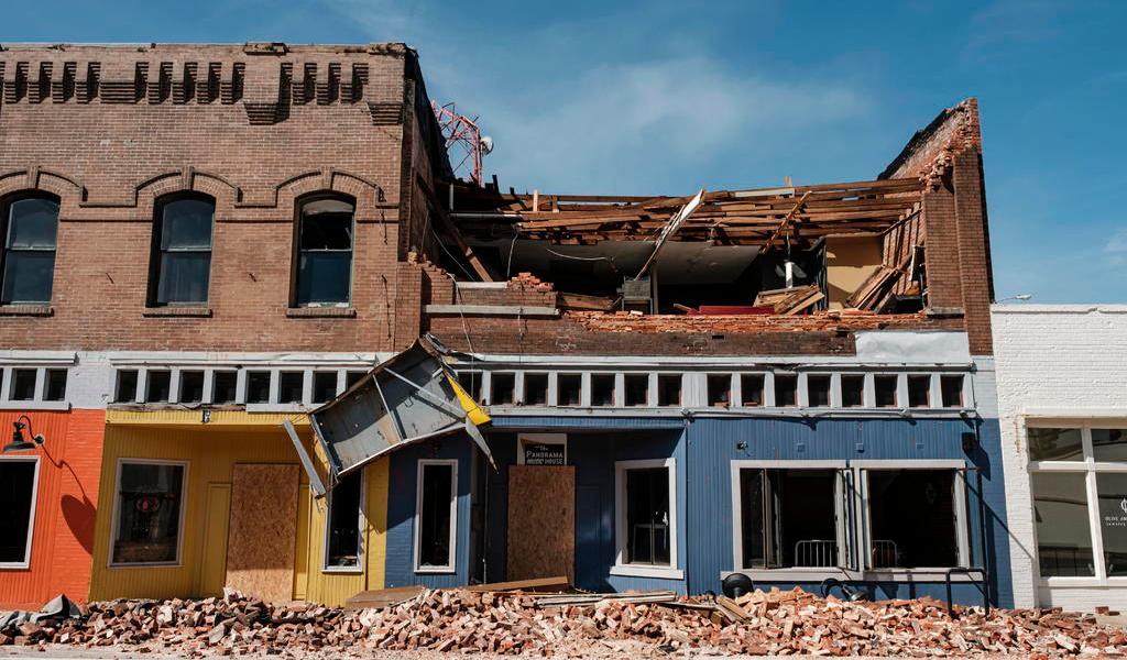 Luisiana y Arkansas evalúan los destrozos dejados por el huracán 'Laura'