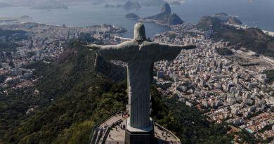 Brasil llega a 120,828 muertes