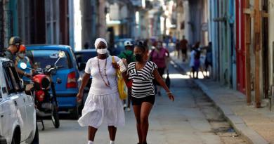 Acumula Cuba 100 muertes por COVID-19