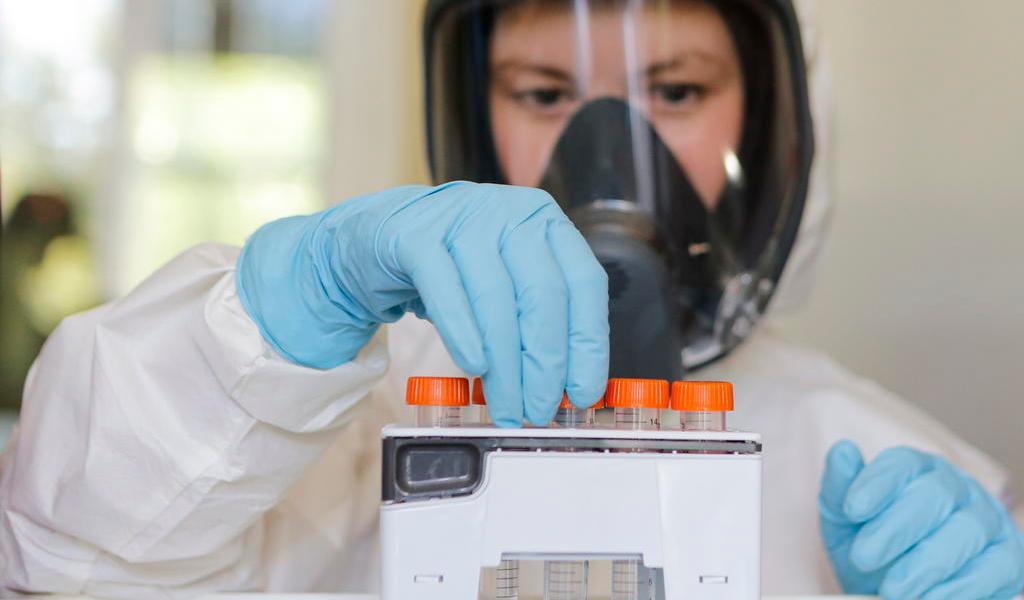 Prometen farmacéuticas altos estándares en vacunas contra COVID-19