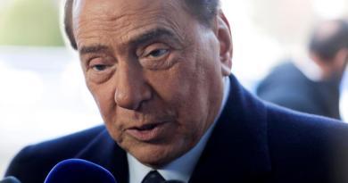 Asegura Berlusconi luchar contra la 'enfermedad infernal'
