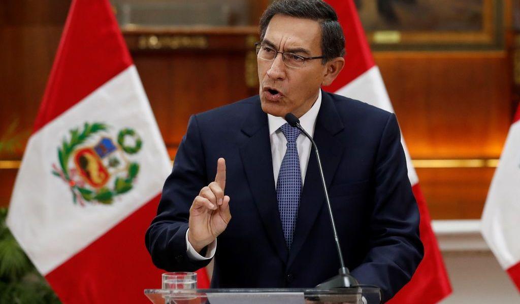 Buscan destituir a presidente de Perú