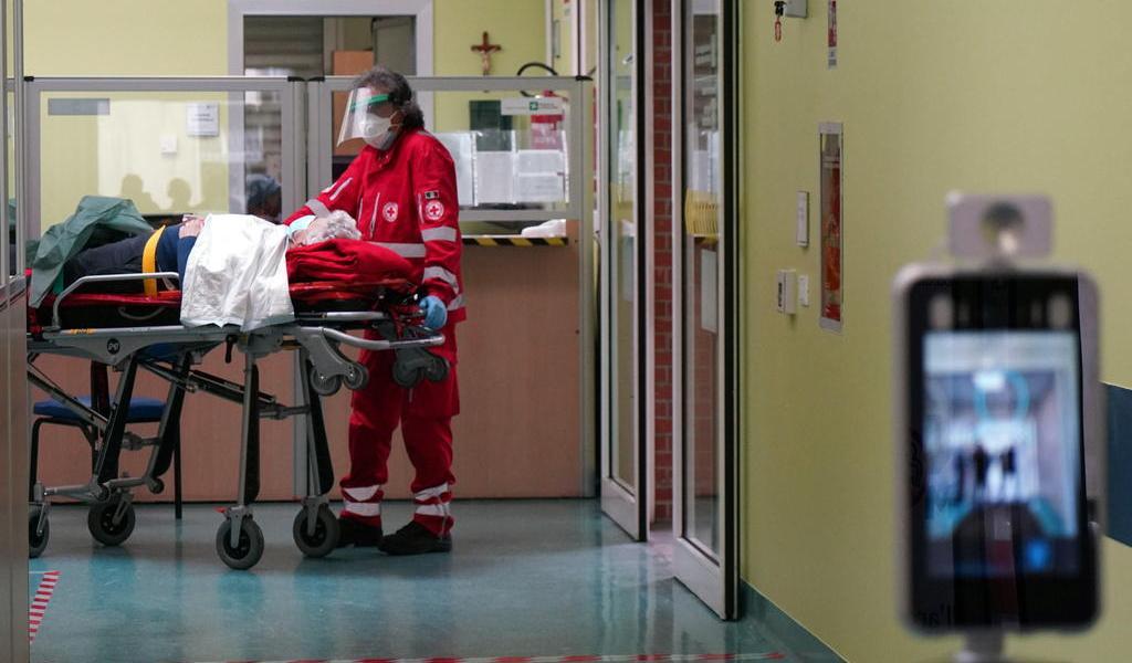 Italia suma 1,008 contagios de COVID-19 y 14 muertes en un día