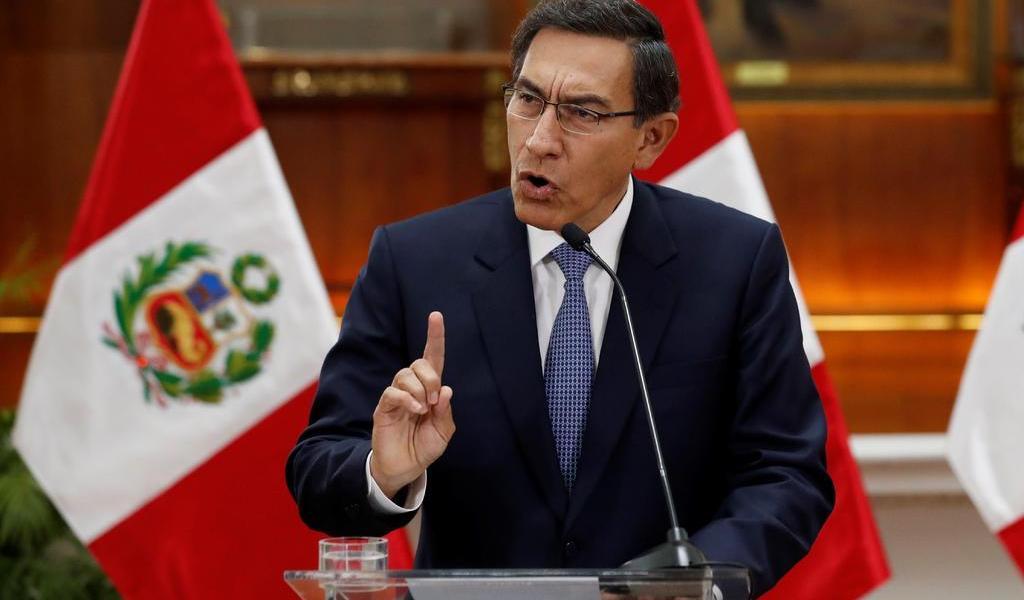 Gobierno peruano pide suspender proceso de destitución de Martín Vizcarra